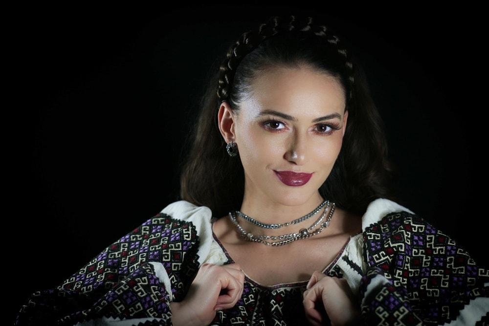Formatie nunta Bucuresti Ioana Balan solist muzica populara si muzica de petrecere 17