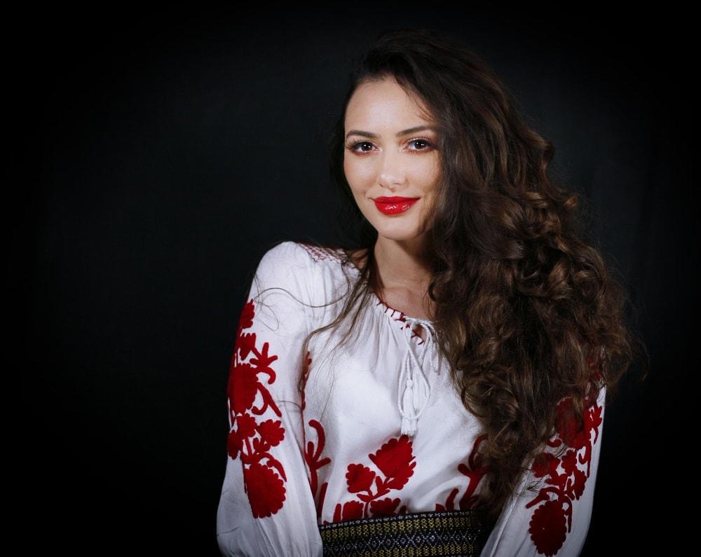 Formatie nunta Bucuresti Ioana Balan solist muzica populara si muzica de petrecere