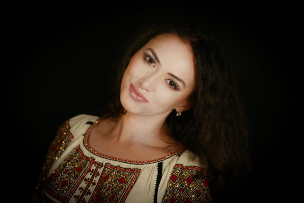 Formatie nunta Bucuresti Ioana Balan solist muzica populara si muzica de petrecere 22
